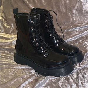 𝐎𝐍 𝐇𝐎𝐋𝐃  PrettyLittleThing Combat Boots!